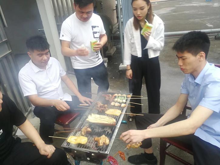 3.29家实多团建活动组织烧烤